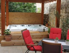 New: Sauna and Jacuzzi